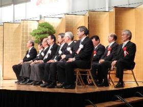 閉会式にて (一番右側が坂梨町長)