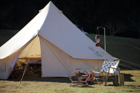 昼のキャンプ風景1