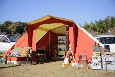 昼のキャンプ風景2