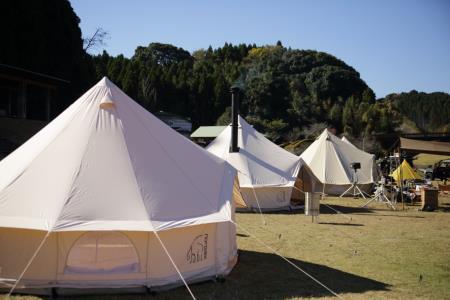 昼のキャンプ風景3