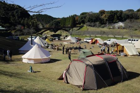 昼のキャンプ風景4