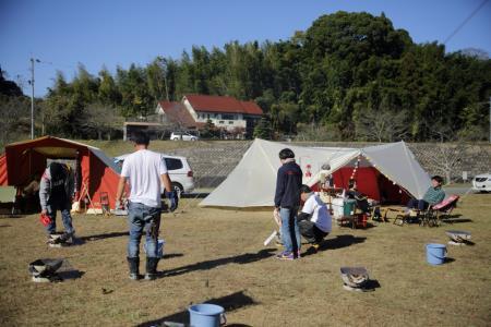 昼のキャンプ風景6