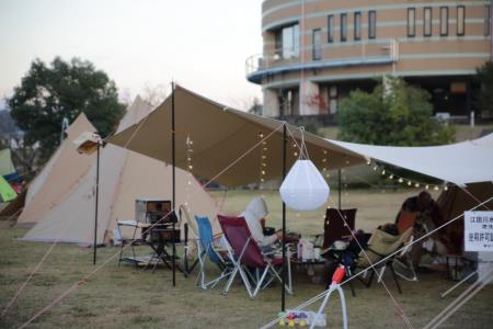 キャンプ風景、夕方2