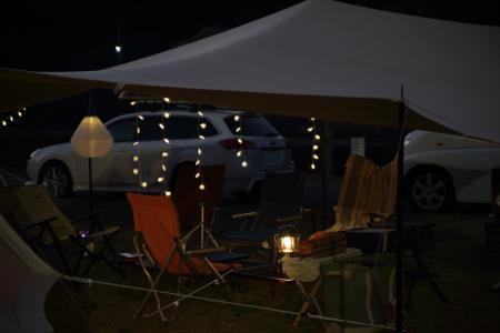 キャンプ風景、夜