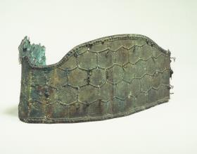 金銅製二山式冠