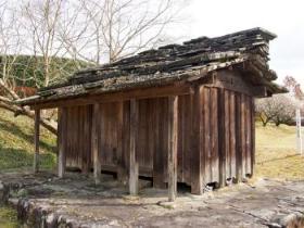 対馬の石屋根