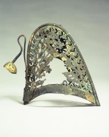金銅製透彫冠帽1