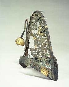 金銅製透彫冠帽2